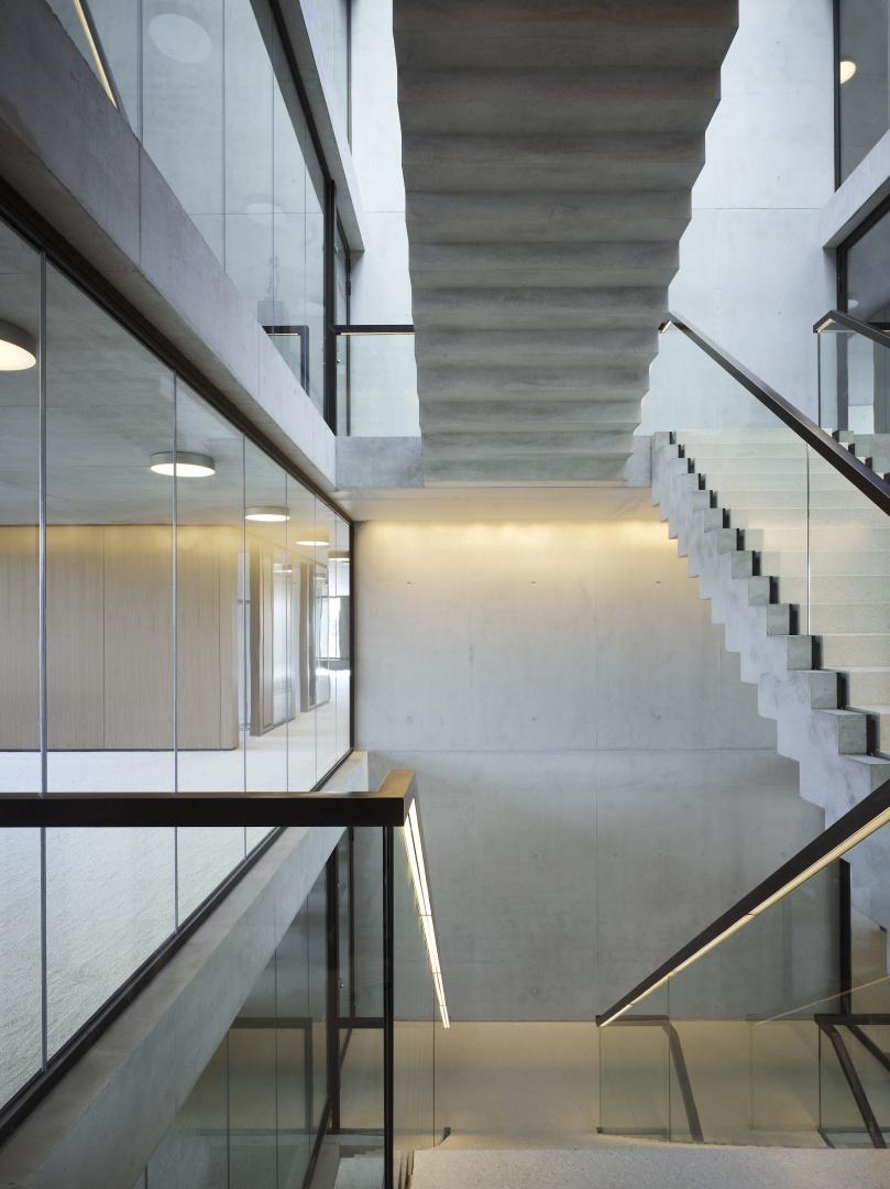 Bürogebäude am Hamburger Bahnhof, Berlin - Atrium © Ruedi Walti Forografie, Basel