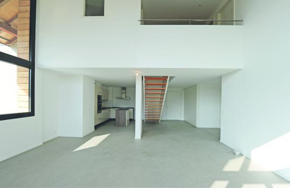 Zweigeschossiges Wohnzimmer © TBA architectes sàrl