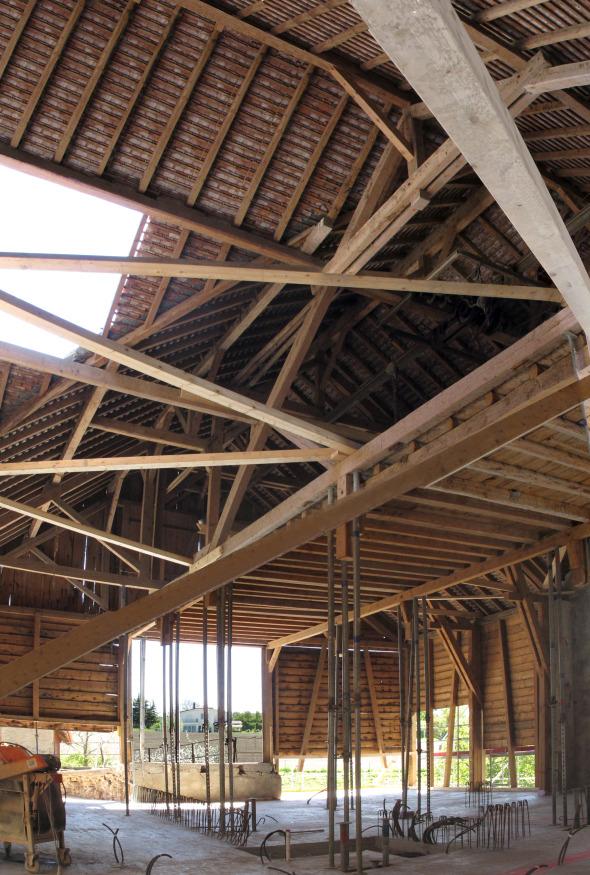 Altes Landwirtschaftsgebäude während Rohbauphase © TBA architectes sàrl