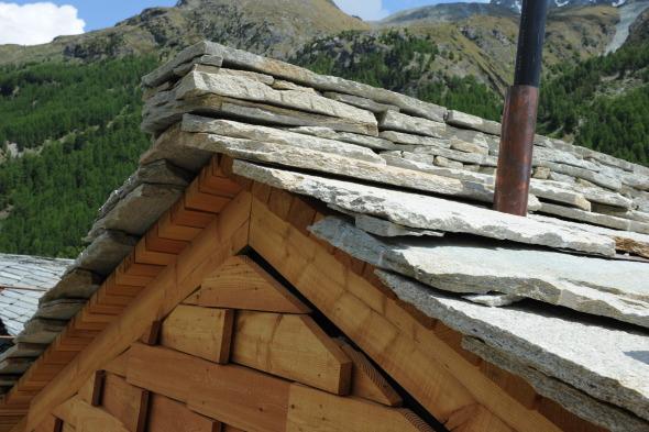 Détail - toiture en pierre © Galletti & Matter architectes