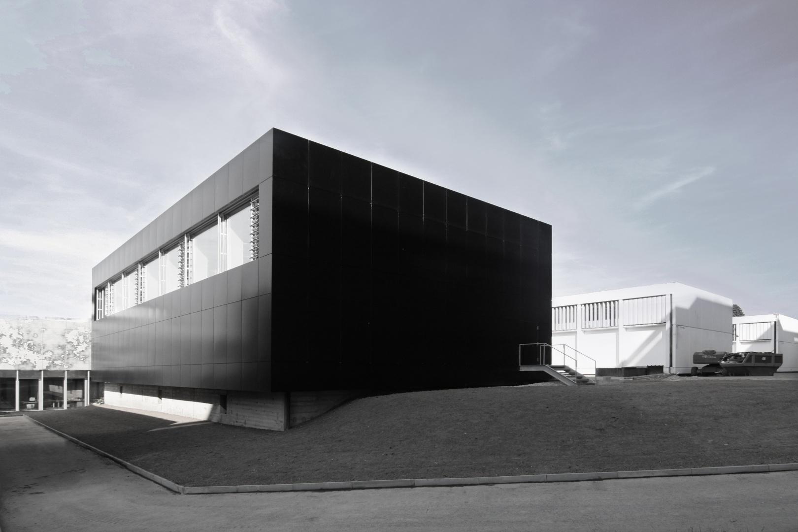Bâtiment Gym3 -Avant-Après © Guenin Huni Architectes