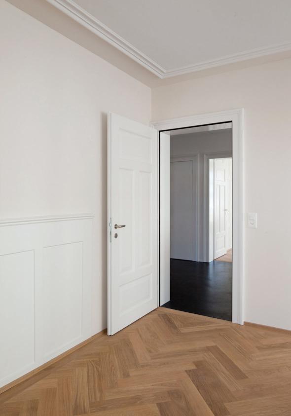 Stuck, Türen, Wandtäfer sowie der Fischgradparkett saniert bzw. erneuert. © Beat Bühler