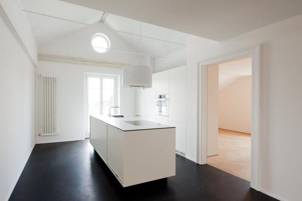 Küche im Dachgeschoss © Beat Bühler