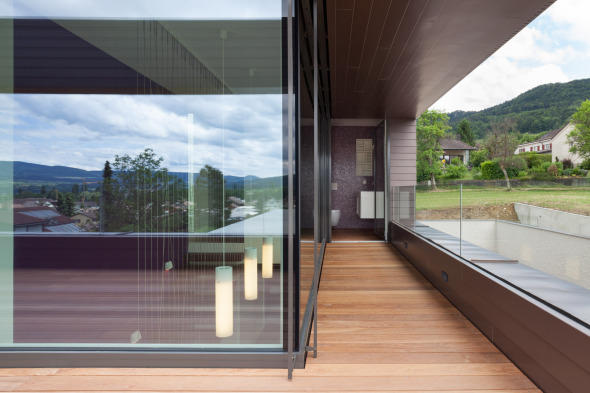 Terrasse I im OG mit Blick zum Eingangsbereich © Börje Müller-Nolasco, Basel