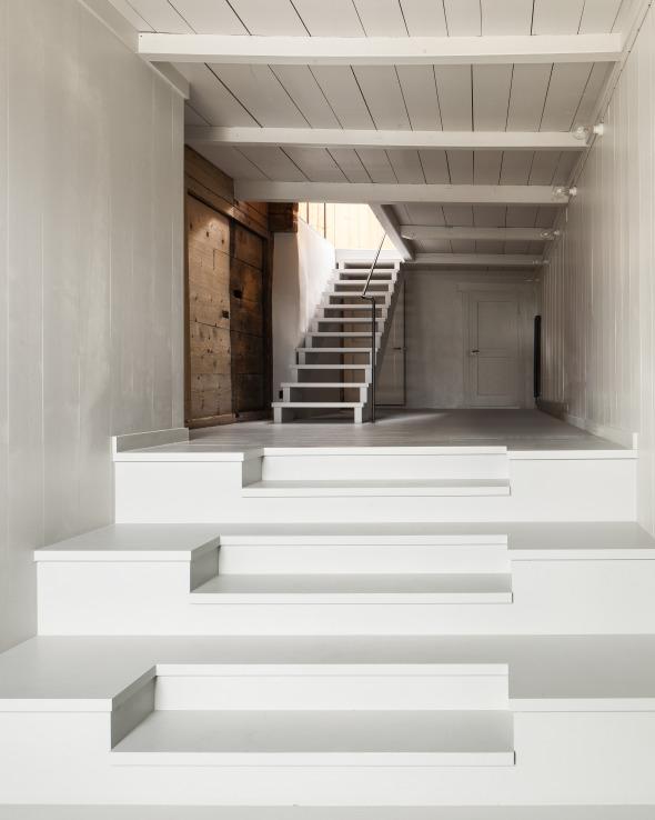 Eingangsbereich Mit Neuer Treppenfigur (Photo: Roman Keller)