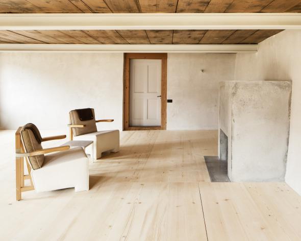 Wohnzimmer mit neuem Cheminée © Roman Keller