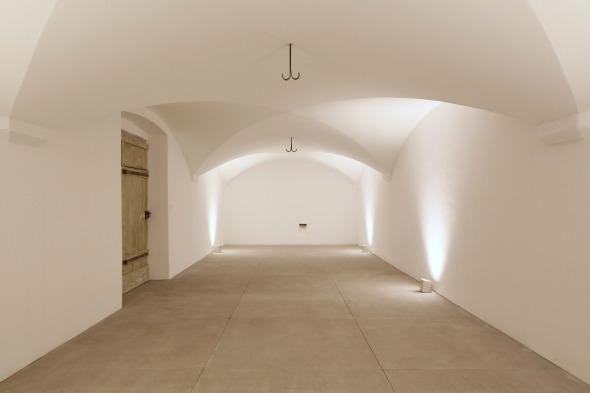 Kellergewölbe mit neuem Sandstein-Plattenboden. © Beat Bühler Zürich