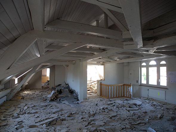 Dachgeschoss während der Baustelle. © Kaufmann Architekten AG