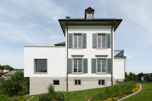 Westfassade der Villa Belsito mit Anbau. © Marcel Rickli