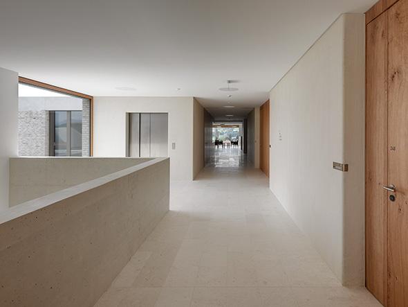 Korridor © Roger Frei