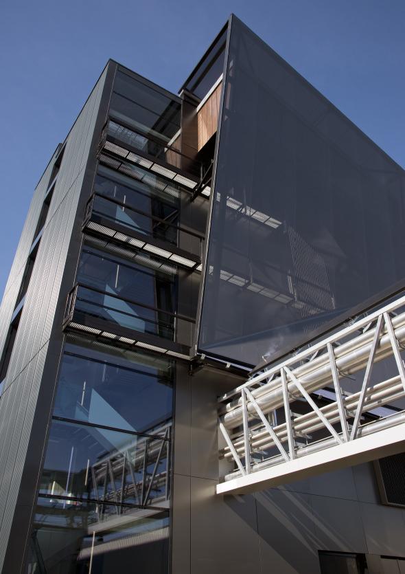 Aussenansicht, Eingang Passarelle (Technik) © Concept Consult Architectes SA (Photo michelbovay.ch)