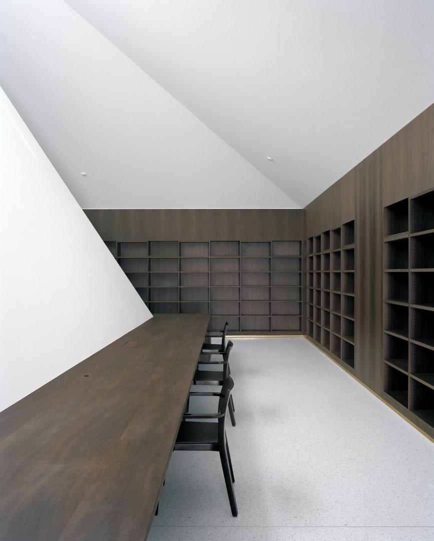 Bibliothek  ©  Tonatiuh Ambrosetti / Bundesamt für Bauten und Logistik BBL