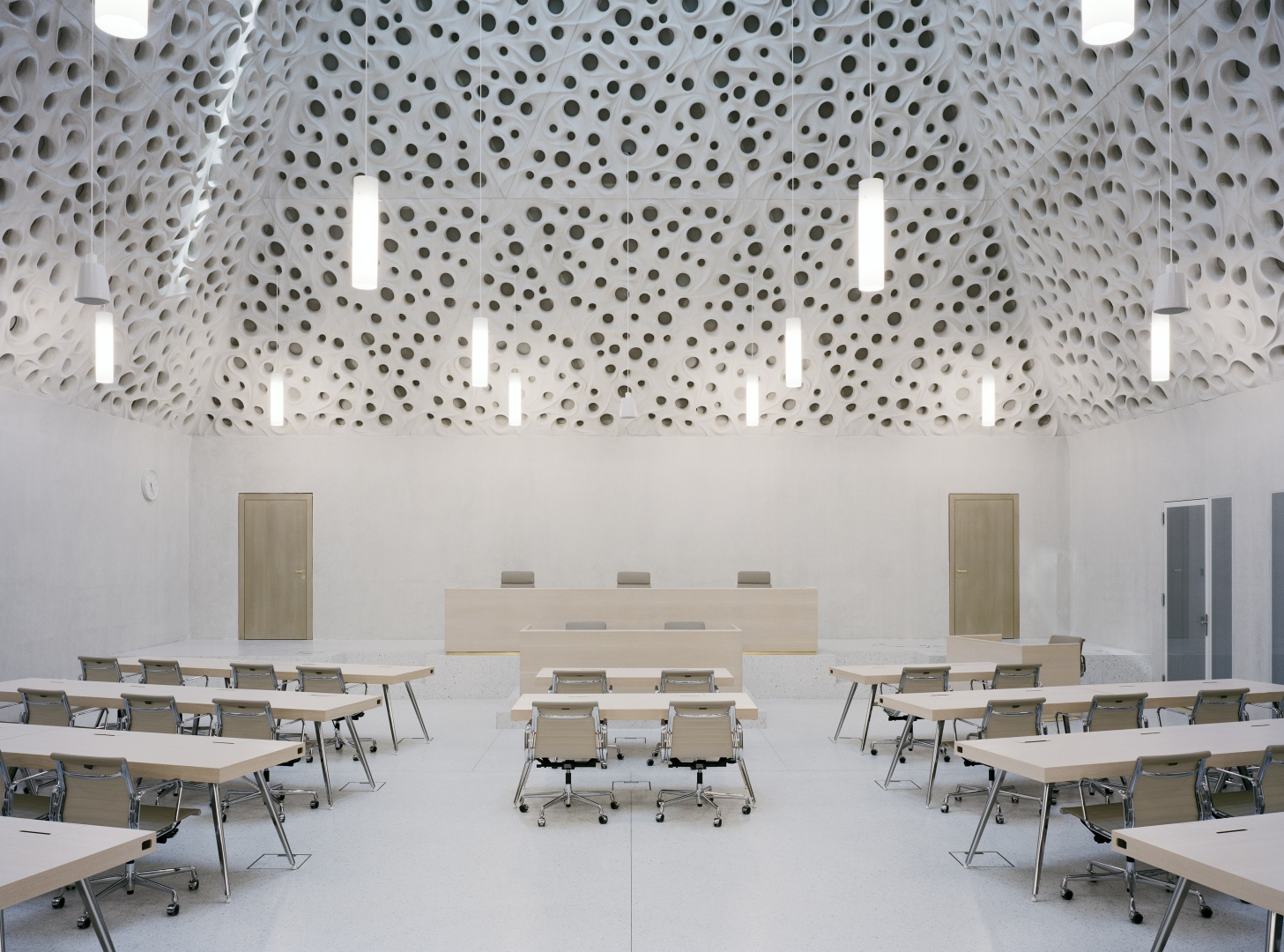 Grosser Gerichtssaal  ©  Tonatiuh Ambrosetti / Bundesamt für Bauten und Logistik BBL