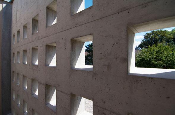 Detail Fassaden - Perforation © B & M Architekten
