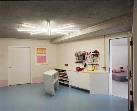 Foyer UG © LUKAS WASSMANN / SALLY MONTANA