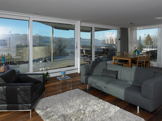 Wohnzimmer / Panorama © eta architekten