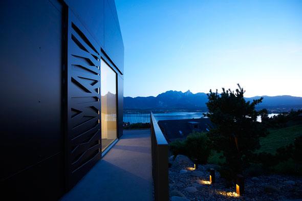 Westfassade mit Aussicht © A. Gampiche