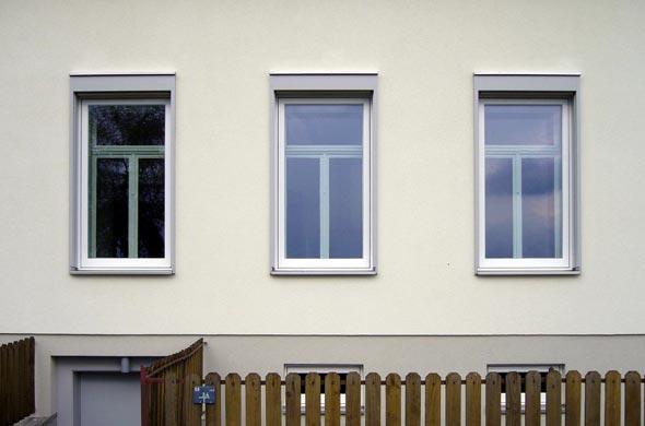 Strassenansicht Altbau mit neuer Fassade