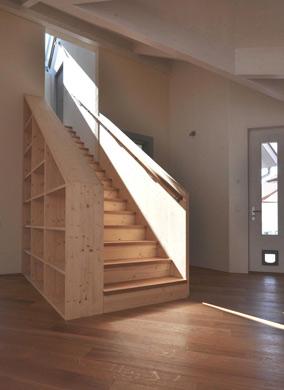 Treppe neue Verbindung zwischen Alt- und Neubau
