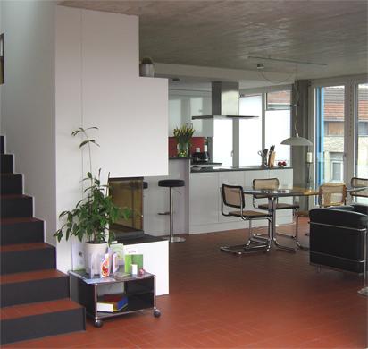 Wohnbereich mit offener Küche © BGS&Partner Architekten AG