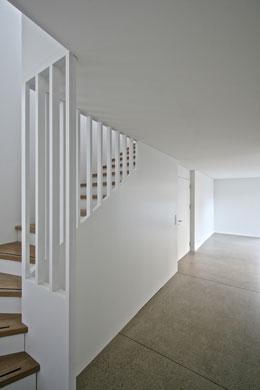 Treppenaufgang © 4dstudio | architekten