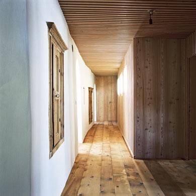Unten ensteht Raum über die Inkorporation von alt und neu © Christoph Sauter Architekten AG