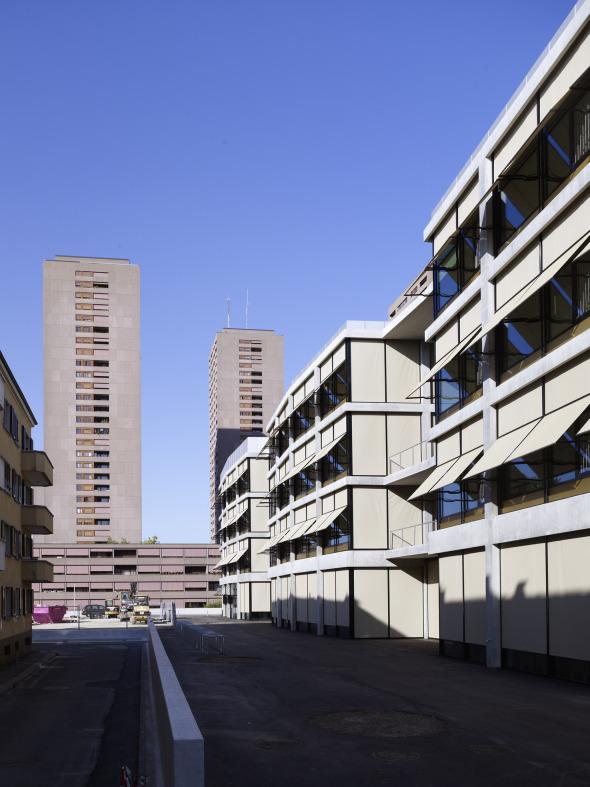 Schulhaus Hofseite © BGS & Partner Architekten