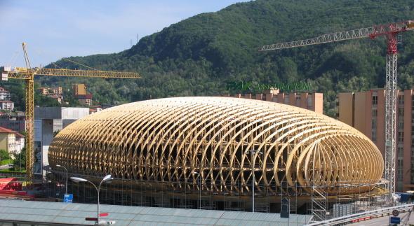 Vista della struttura in legno di sostegno del guscio in CA