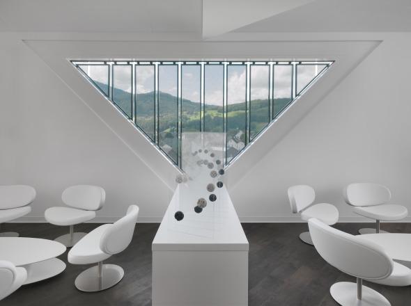 Innenansicht des Sitzungszimmers der Geschäftsleitung © Davide Macullo Architects