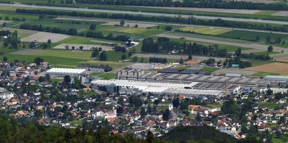 Luftansicht vom Jansen Areal und des Dorfes Oberriet © Davide Macullo Architects