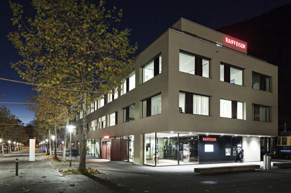 Gesamtansicht b. Dämmerung © von allmen architekten ag, Foto R. Baumer