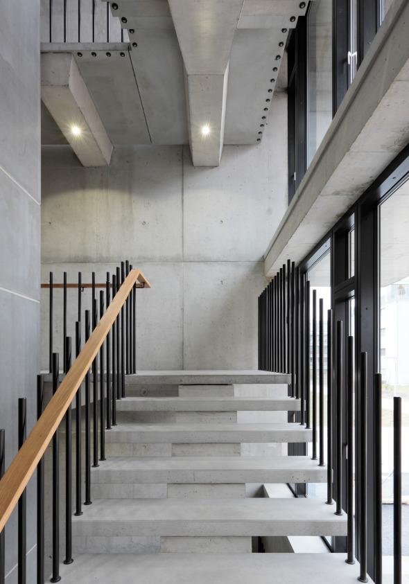 Treppenhaus mit integrierter Beleuchtung © Beat Bühler