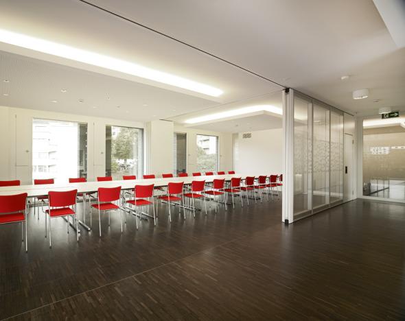 Konferenzräume im Attikageschoss © K&L Architekten