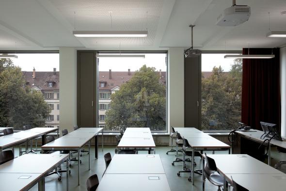 Salle de classe dans le bâtiment neuf © Photo: Walter Mair, Zürich