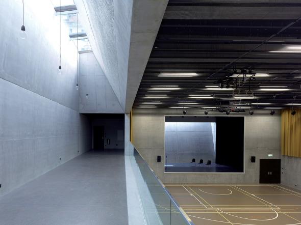 salle de sport polyvalente brillantmont international school schweizer baudokumentation. Black Bedroom Furniture Sets. Home Design Ideas