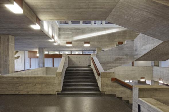 Escalier bâtiment principal et 1e étage  © rlc AG