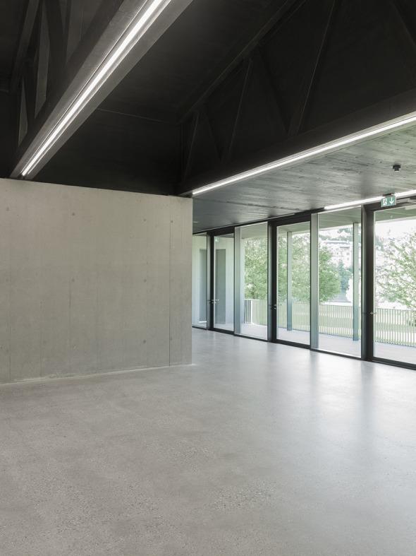 Foyer mit Rheinsicht