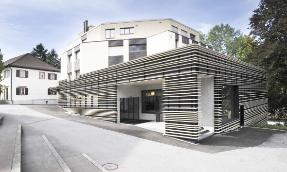 Blick auf den Haupteingang © Kimlim Architekten