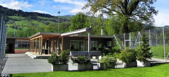 Neue Anlage Tennishaus zum verweilen im Grünen