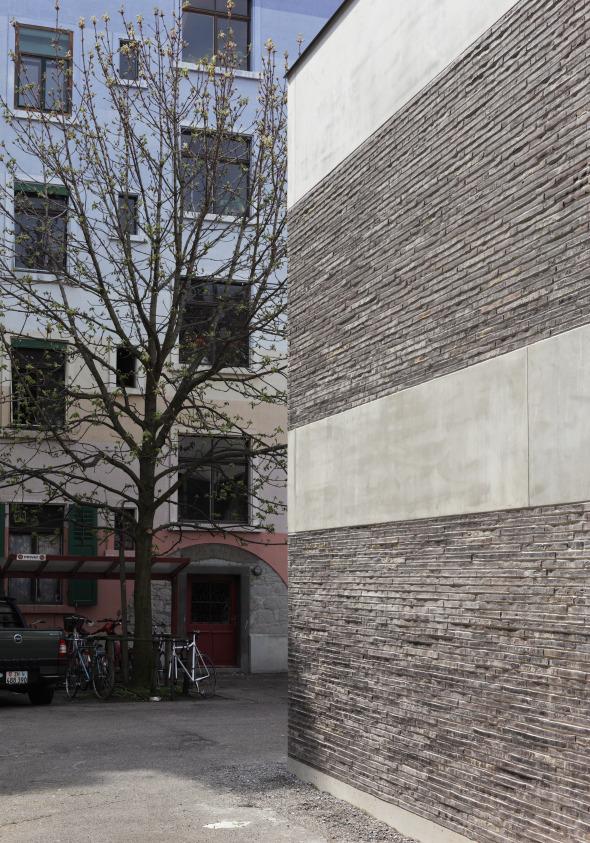 Kolumbasteinfassade © Beat Bühler