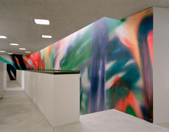peinture murale de Katharina Grosse © Schneider & Schneider Architekten