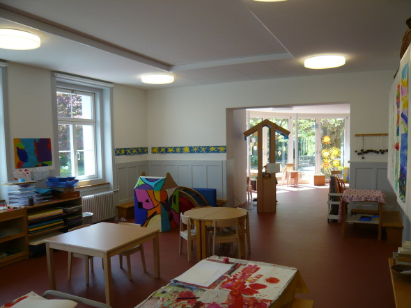 Salle de classe existante avec nouveau passage  © Beda Zweifel AG