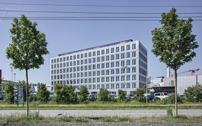 Büro- und Gewerbehaus H113