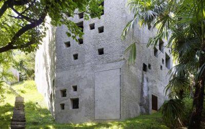 Betonhaus in Caviano