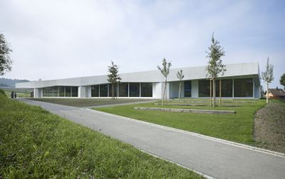 Neubau Primarschulhaus mit Doppelkindergarten Rotewis
