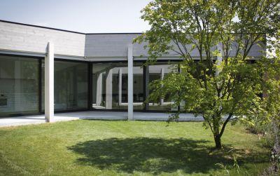 Umbau und Erweiterung einer Villa in Corminboeuf