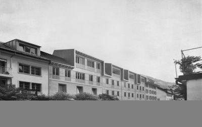 Brandspuren, ortsspezifisches Verdichten in Glarus