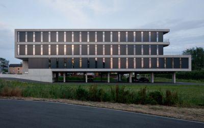 Gewerbehaus Loren