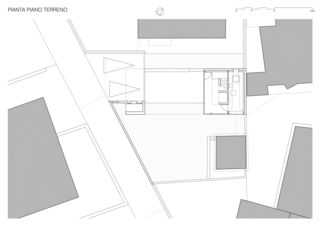 Rez-de-chaussée / Piano Terreno Casa sospesa a Monte Carasso de Studio d'architettura Ernesto Bolliger