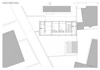 1er étage / Primo Piano Casa sospesa a Monte Carasso de Studio d'architettura Ernesto Bolliger